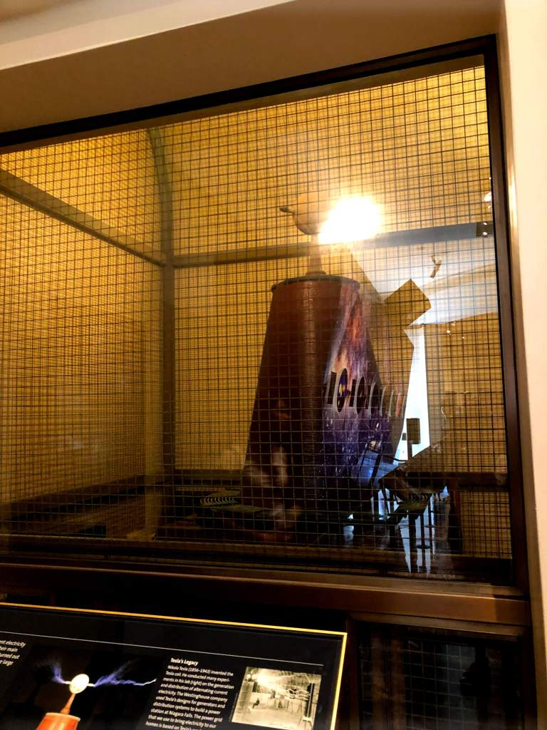 Tesla-Coil-at-the-Griffith-Observatory