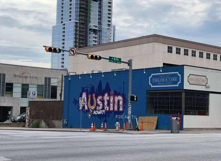 Howdy Austin mural